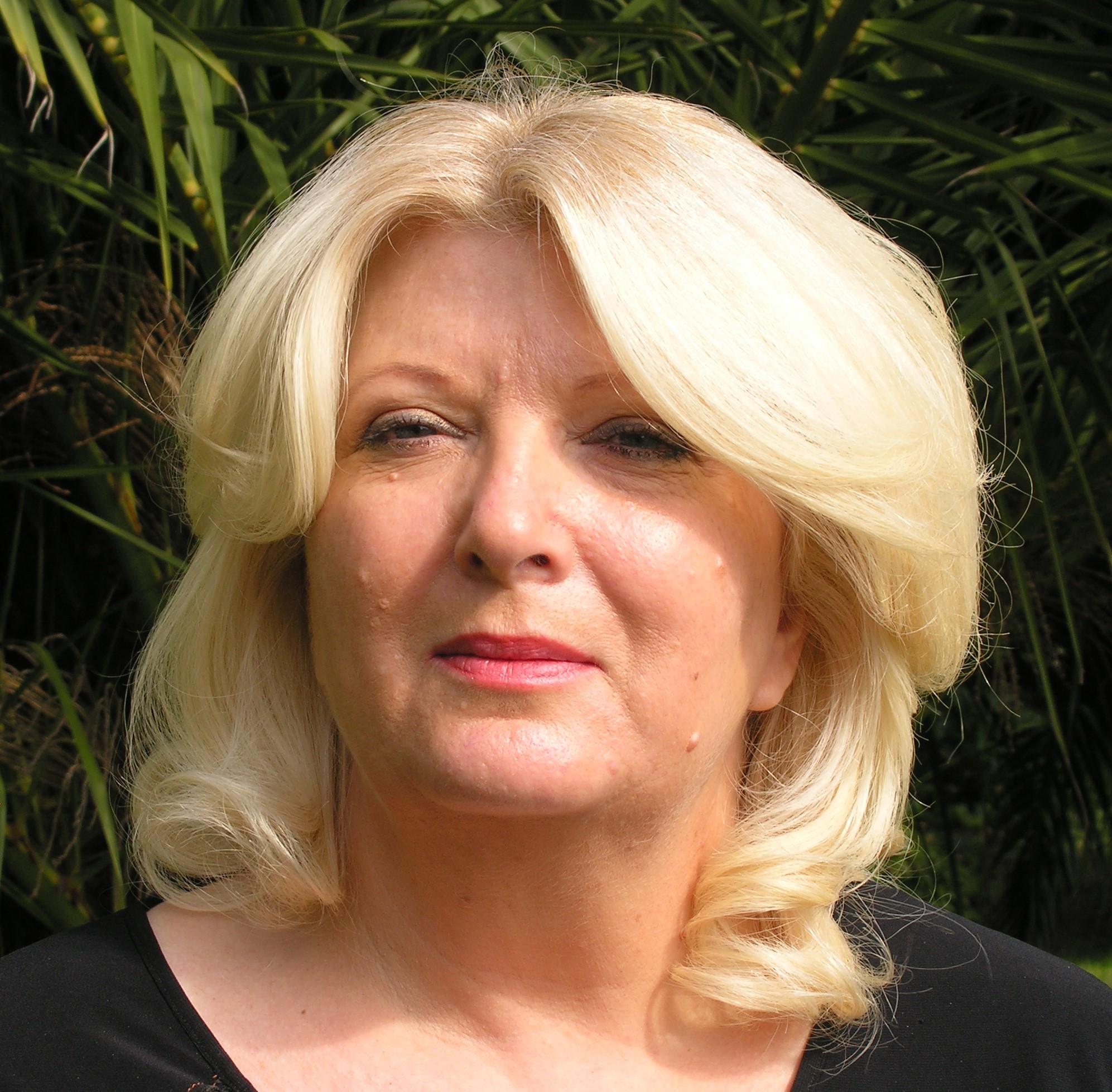 Nicole MANYA