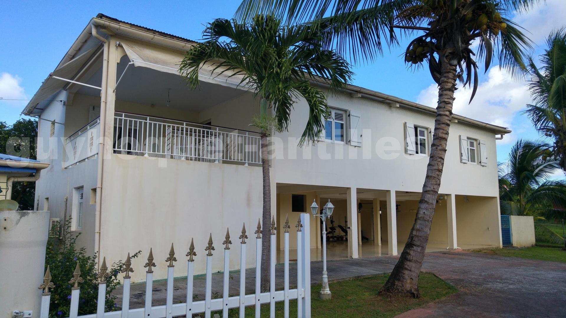 Vente maison le lamentin 6 pieces 300 m2 for Acheter une maison en martinique