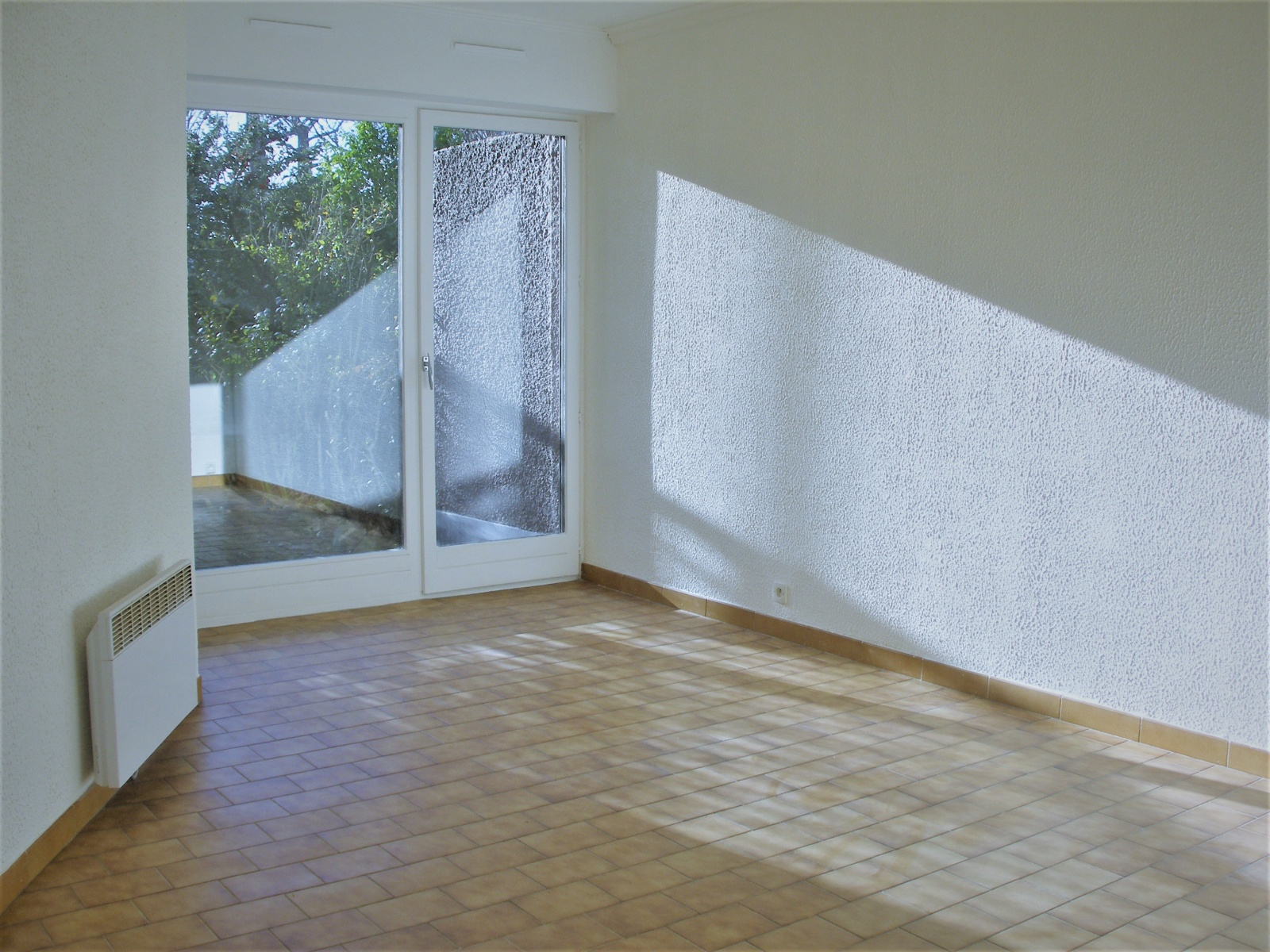 2 PIECES - 54 m² - LE KREMLIN BICETRE
