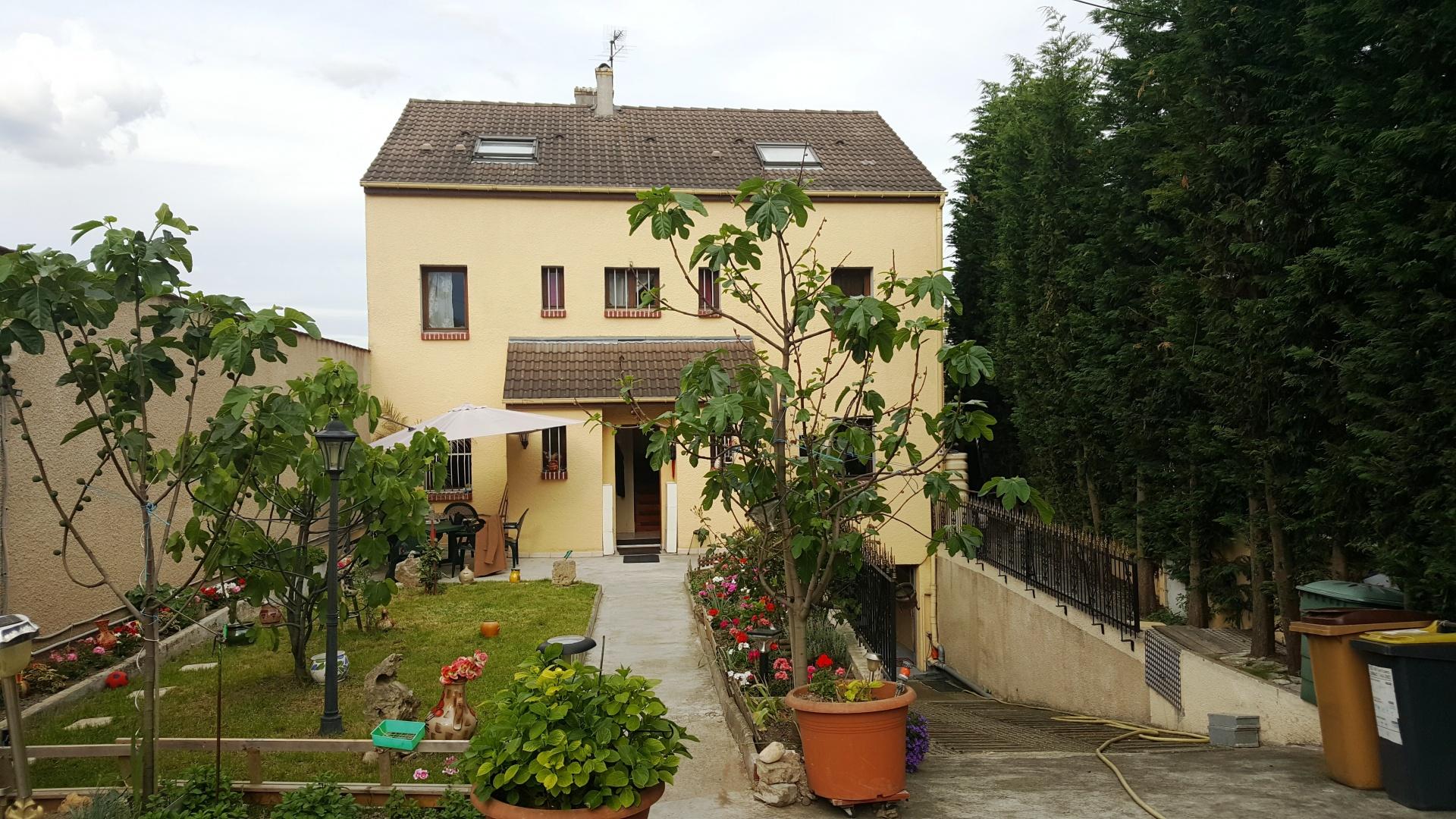 Superbe Maison 7 pièces de 150m2, à Montreuil, lumineuse et calme.
