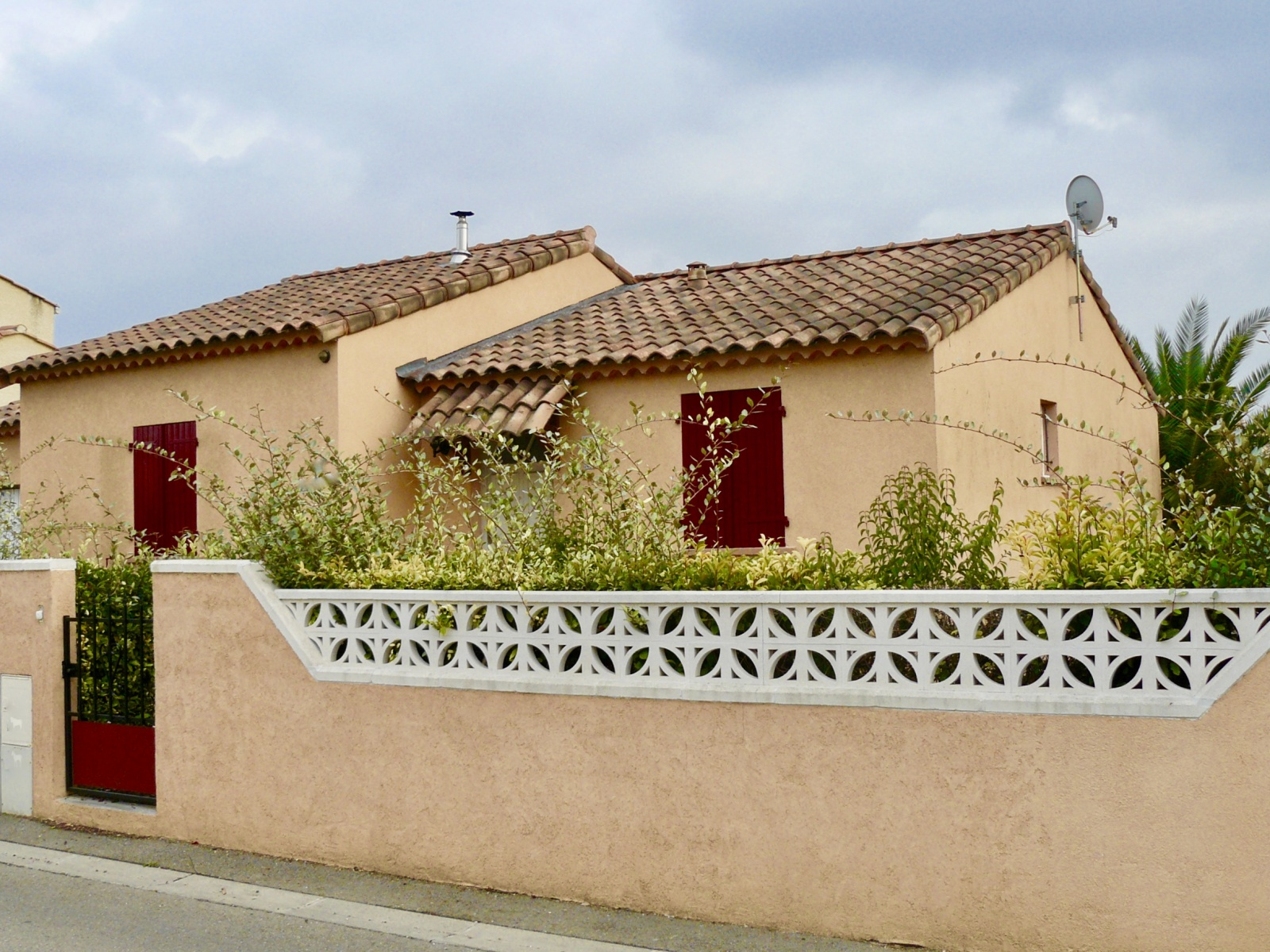 Annonce vente maison bernis 30620 80 m 240 000 for Garage ww auto bernis