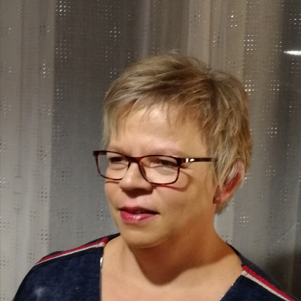 Katharina ACQUISTAPACE